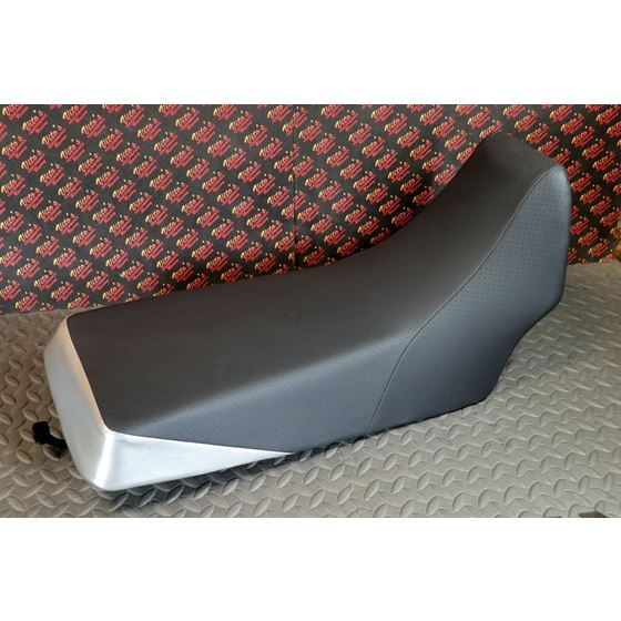 NEW Complete seat 1987-2006 Yamaha Banshee cover latch foam BLACK DIMPLE SILVER
